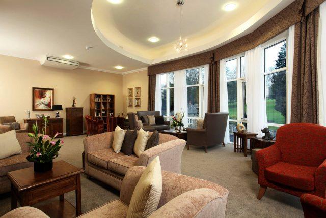 Elegant lounges
